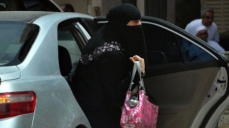 Saudi Arabia implements electronic tracking system for women | The Raw Story | News You Can Use - NO PINKSLIME | Scoop.it
