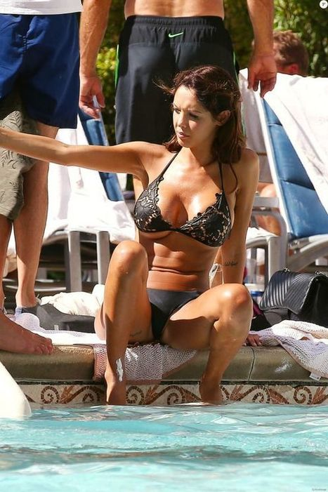 Photos : Nabilla Benatia en bikini hot à Las Vegas | Radio Planète-Eléa | Scoop.it