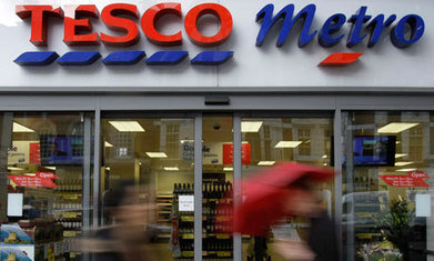 Tesco boss hails end of 'space race' as profits crash | Should Tesco continue to grow in the UK or is their withdrawal from the US a clear sign that their time as a major player in the supermarket industry is coming to an end | Scoop.it
