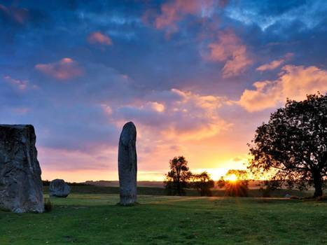 GB : Lord of the rings at Avebury on the longest day of the year | World Neolithic | Scoop.it