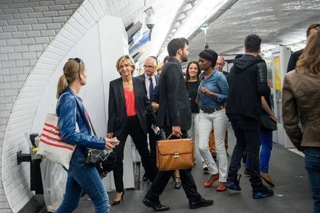 Valérie Pécresse fait campagne dans les transports en commun - Le Monde   LAURENT MAZAURY : ÉLANCOURT AU CŒUR !   Scoop.it