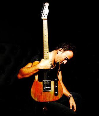 Bruce Springsteen lancia una palla che demolisce - MAG - Sky.it | Bruce Springsteen Italy - Open All Night | Scoop.it