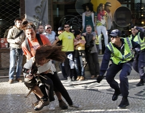Photojournalist Beat by Police in Lisbon | Photojournalism - Articles and videos | Scoop.it