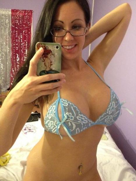 Twitter / Cutie_Kayla1: Glasses, no panties, and some ...   Lingerie   Scoop.it