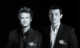 """Full Tilt Poker Signs Tom Dwan and Viktor Blom as """"Professionals"""" 