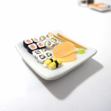 Magnet à croquer : Assiette de Sushis - Miniatures gourmandes  : Accessoires de maison par sugarpop-creation | cuisine du monde | Scoop.it