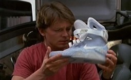 Retour vers le futur : Les Nike futuristes de Marty enfin en vente - Otakia | sneakers-addicted | Scoop.it