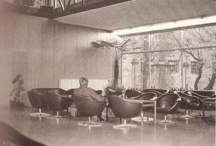 Environnement sonore : Aéroport @ Marina Abramovic. 1971 | DESARTSONNANTS - CRÉATION SONORE ET ENVIRONNEMENT - ENVIRONMENTAL SOUND ART - PAYSAGES ET ECOLOGIE SONORE | Scoop.it