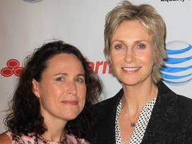 Jane Lynch's wife files for spousal support in divorce battle | Technology and Technological Addiction | Scoop.it