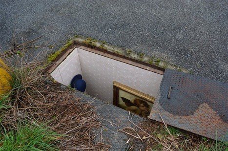 Artist hides miniature homes in Milan's manholes | HANDMADE, DIY, REUSE, REDUCE, RECYCLE, UPCYCLE, RECREATE, RETHINK, etc | Scoop.it
