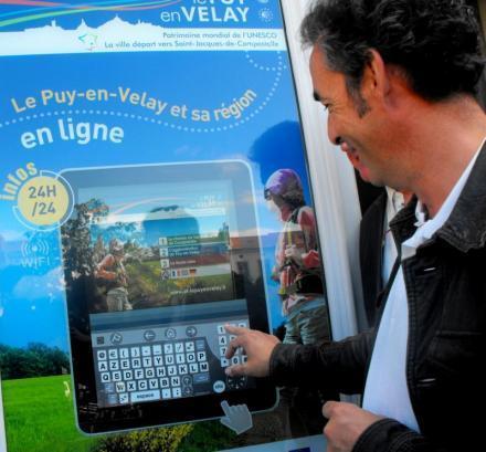 Le Puy en Velay : toute l'information touristique d'un simple effleurement de doigt | L'office de tourisme du futur | Scoop.it