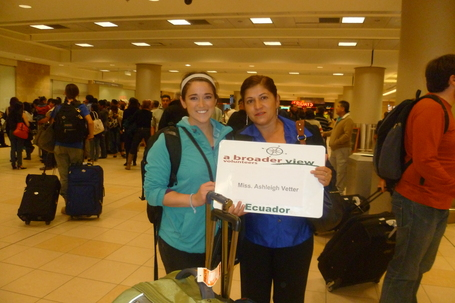 "Ashleigh (Nurse Student at University of Kentucky) Volunteering in Ecuador with Abroaderview.org | ""#Volunteer Abroad Information: Volunteering, Airlines, Countries, Pictures, Cultures"" 