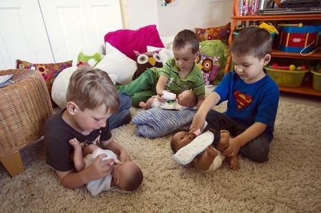 Jouets : grues pour les filles, poupées pour les garçons - Arrêt sur images | Intervalles | Scoop.it