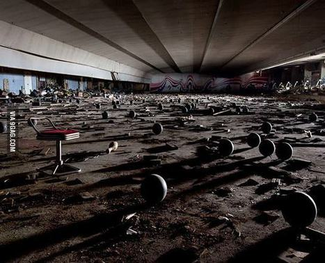 Abandoned bowling alley, Japan | Modern Ruins, Decay and Urban Exploration | Scoop.it