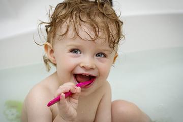 Conseils brossage des dents des bébés - Dr Amouyal - Dentiste - Paris | dentiste AMOUYAL | Scoop.it
