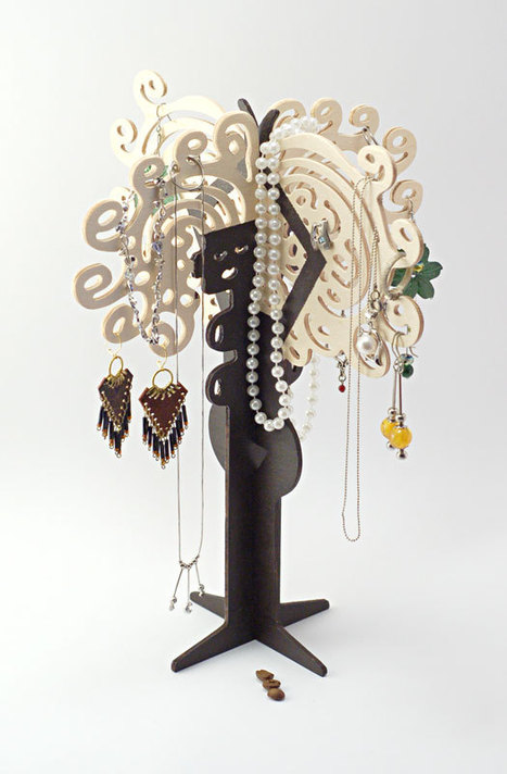 Wooden Woman - Jewelry Organizer / Holder / Stand for Earrings / Necklaces / Brecelets - Good Gift Idea for Her » Vanilla Moments | Best Gift Ideas | Scoop.it