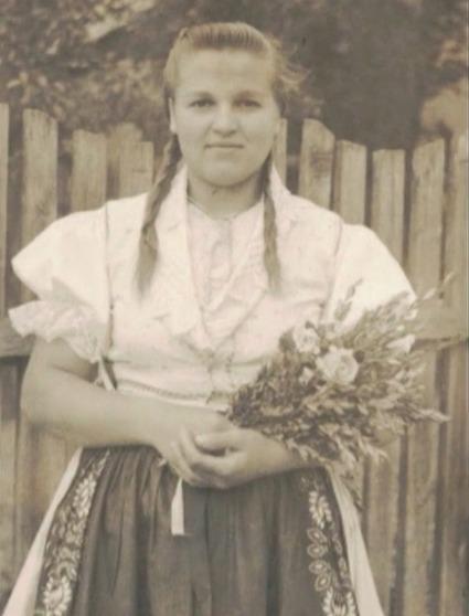 Smutno-veselý príbeh Slovenky Anny, ktorá prežila gulag: Mladosť jej vrátil ruský dôstojník | Topky.sk v mobile | Dejepisník | Scoop.it