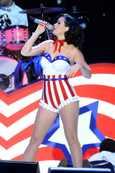 A Sexy & Patriotic Katy Perry Performs At Kids' Inaugural Concert - Starpulse.com (blog) | Fashion wearing(tights) | Scoop.it