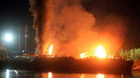 3 hurt as fuel barges explode, catch fire on Mobile River in Alabama | Government and Law skinny | Scoop.it