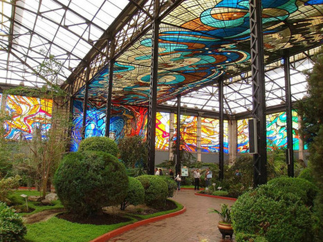Abandoned Market Hides A Stained Glass Wonderland | PROYECTO ESPACIOS | Scoop.it