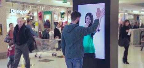 Cet affichage interactif devient intime avec vous si vous vous approchez de lui   Digital marketing: best and new practices   Scoop.it