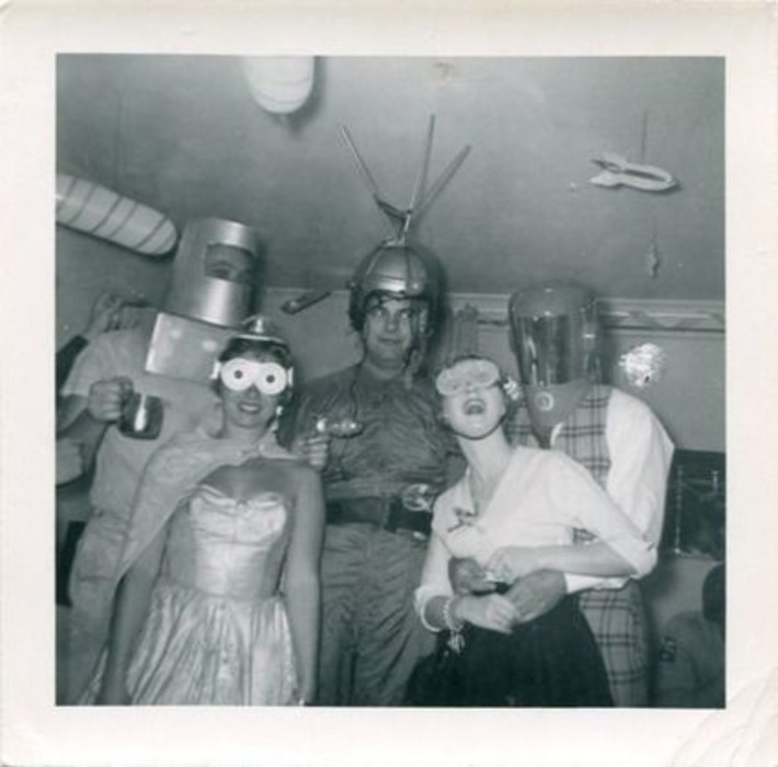 Well, hello there, space-age Halloween! | Kitsch | Scoop.it
