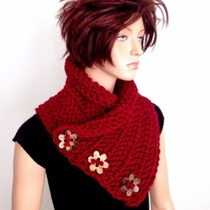 #neckwarmer #handmade #crochet #buttons... - Africancrab | To Crochet or To Knit that is the question | Scoop.it
