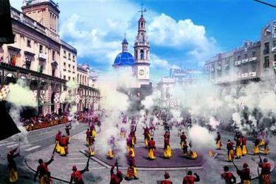 Color, parades and historical representation conquer Alcoy in spring - Comunitat Valenciana | Spain Exposed | Scoop.it