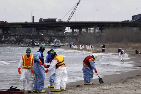 BP confirms oil spill into Lake Michigan from Whiting refinery - Chicago Tribune   Oil Spill   Scoop.it