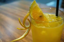 Recette de vin d'oranges, un apéritif maison économique | boissons de rue, cocktail, smoothies santé, Boissons fraîches et chaudes du monde, | Scoop.it