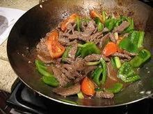 PEPPER STEAK STIR FRY - Panlasang Pinoy Recipes | Filipino Recipes | One Man and his Wok (Chinese \ Asian Cooking) | Scoop.it