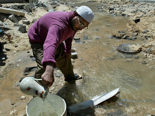 Gallons for the rich (Israelis) puddles for the poor (Palestinians) | Occupied Palestine | Scoop.it