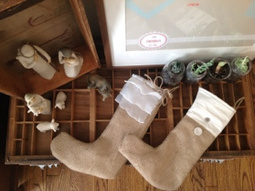 DIY Christmas Stockings from Wedding Leftovers | Repurpose Wedding Elements | Scoop.it