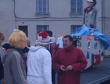 Carnaval à Châtellerault, temps froid mais très chaude ambiance ! | Chatellerault, secouez-moi, secouez-moi! | Scoop.it