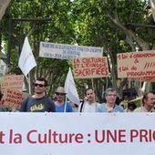 Au Festival d'Avignon, les intermittents rappellent à Hollande ses engagements passés   structuration professsionnelle   Scoop.it