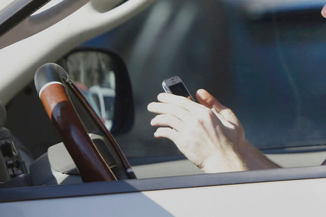 Reading This While You Drive Could Increase Your Risk of Crashing by 10 | Learning Design for Mobile Devices | Scoop.it