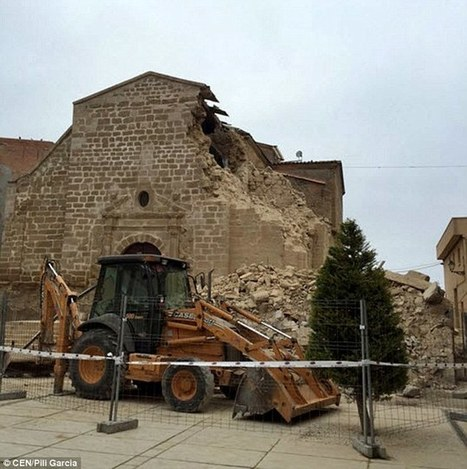 Bell tower of 300-year-old Spanish church collapses into rubble - Daily Mail | AC Affairs | Scoop.it