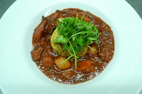 Vegan beetroot, mushroom and puy lentil bourguignon with fondant potato | My Vegan recipes | Scoop.it
