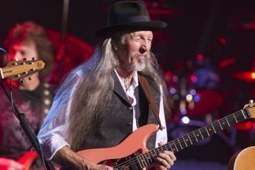 Les Doobie Brothers en relève à Aretha Franklin - LaPresse.ca | Slide guitars | Scoop.it