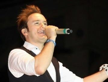 Mustafa Ceceli Gül Rengi Şarkı Sözlü | Vikipedi | Vikipedi | Scoop.it