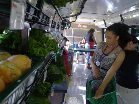 With grocery bus, West Siders jump on health bandwagon | Developing Policies for Improved Access to Healthier Foods | Scoop.it