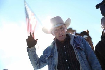 Oregon Standoff Turns Violent; Leading Spokesman Dead | Economic & Multicultural Terrorism | Scoop.it