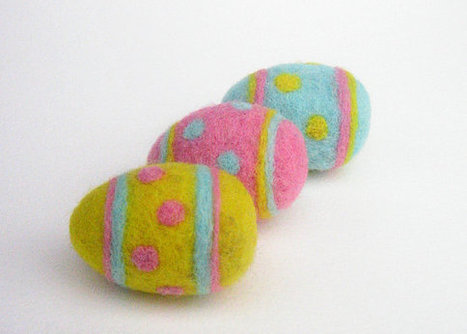 Easter OFFER: Set of 3 Easter Eggs, needle Felted handmade Easter Decoration, Perfect for Baskets and Wreaths, Polka Dots Spring Colors | Needle felting art by Green Dot Creations' Studio! | Scoop.it