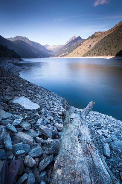 Lac de l'Oule - Jill Pollock • Photography | Facebook | Vallée d'Aure - Pyrénées | Scoop.it