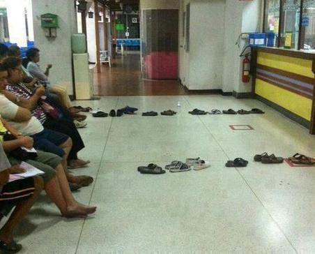 Twitter / Globe_Pics: This is how people queue in ...   Thailand info   Scoop.it