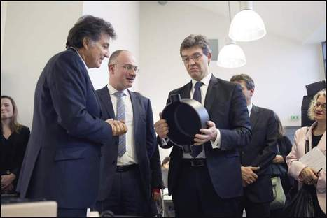 Montebourg et le made in France : après la marinière, les casseroles et le casque de scooter | News from France | Scoop.it