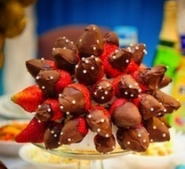 Cooking With Kids – How to Make a Chocolate Dipped Fruit Arrangement on a Budget | FeeFiFoFun News! | Scoop.it