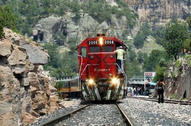 Proponen nuevo Ferrocarril Pacifico-Atlantico en Mexico para competir con el Canal de Panama   Tourism in veracruz   Scoop.it