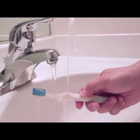 """""""Rinser"""" Toothbrush Fixes the Worst Part of Brushing Teeth 