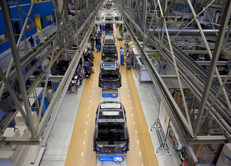BMW Lifts i3 Electric Car Production 43% on Higher Demand - Bloomberg | Tesla Motors (+ other electric cars news) | Scoop.it